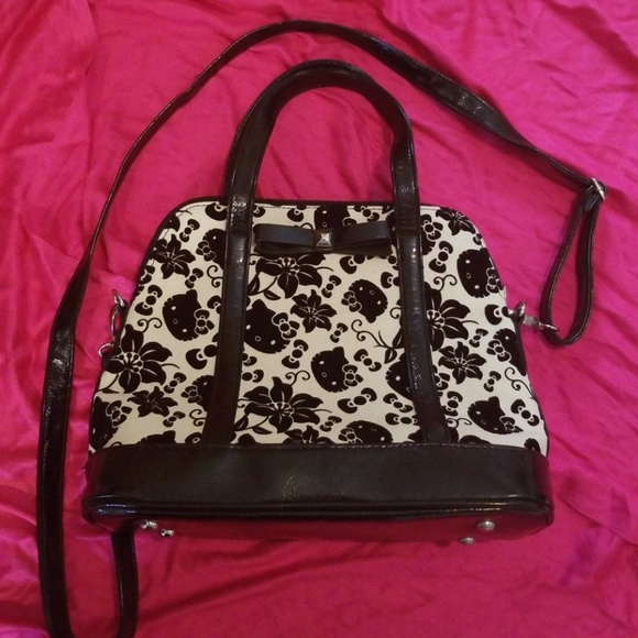 Loungefly Handbags - Loungefly Hello Kitty Floral Purse aa88c257b927b